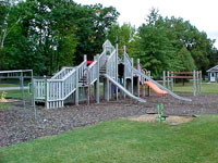 dillon_park_play_structure2_3.jpg