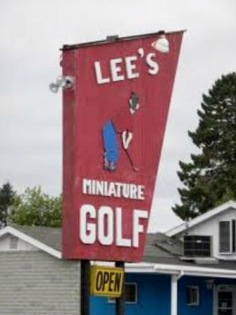 leesminiaturegolf_sign.jpg