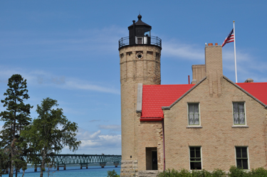 old_mackinac_point_light.jpg